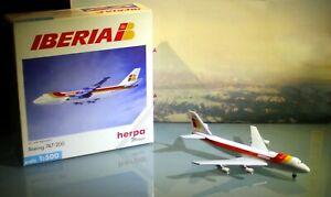 Iberia Airllines Herpa Boeing 747-200 airplane Scale Model 1:500