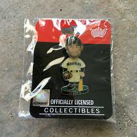 Ichiro Suzuki Seattle Mariners Bobble Head Pin Licensed Aminco Baseball NIP