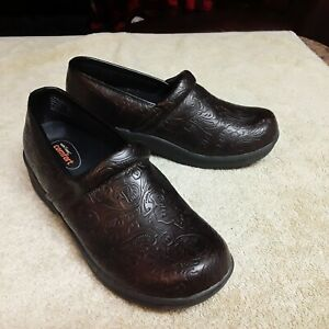 Clogs Shoes Safe-T-Step Women's Size 7 Embossed Floral Comfort