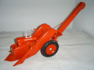 Allis Chalmers WD-45 W/2 Row Mounted Picker