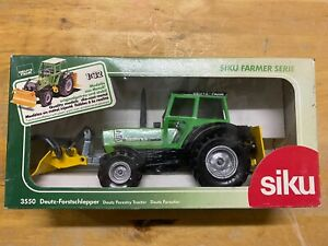 Siku Farmer 3550 Deutz Agrostar 6.61 Forstschlepper 1:32