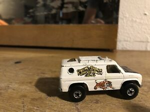 1977 Hot wheels SCENE MACHINE RINGLING Circus Van.