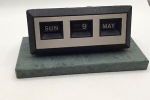 Retro Styled Mounted Desk Calender