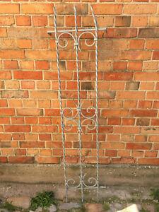 Großes schmales Fenstergitter Gitter Spalier schmiedeeisern verzinkt