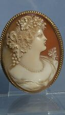 A quality detailed cameo of a period Victorian lady 9ct gold brooch pin setting