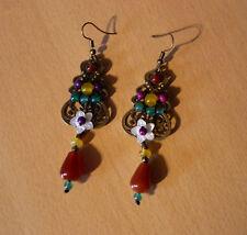 Bronskleurige lange etnische meerkleurige oorbellen met schelp bloem en hanger