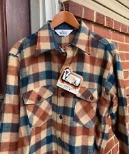 Vintage Woolrich Buffalo Style Plaid 85 % Wool 15% Nylon Shirt Jacket. Size L