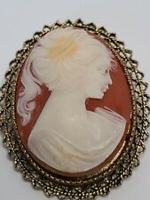 Vintage Lady Cameo Brooch pin Resin On gold tone metal