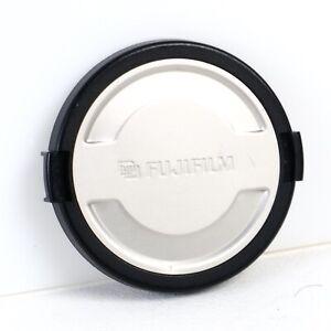 ^ Fujifilm Front Clip On Lens Cap [49mm]