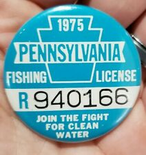 1975 Pennsylvania Fishing License Pinback Button Estate Find Mint Front
