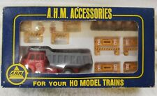 AHM HO TOY MODEL TRAIN CONSTRUCTION SET WITH DUMP TRUCK BARRIERS BOX #5614 (11I)