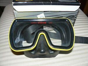 Farallon Yellow Scuba Mask Goggles Tempered Lens Diving Snorkel Swim