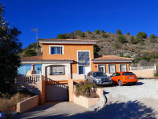 Detached Private Property with 1 Bedrooms