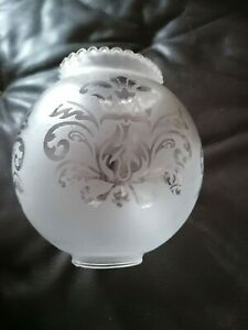 Globe tulipe abat jour verre gravé dépoli style lampe à pétrole / 10 disponibles