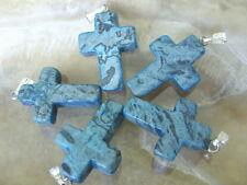 Blauer Crazy Lace Achat Kreuz 25 x 18 mm mit  Kettenschlaufe versilbert