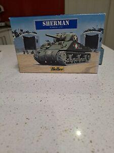 Sherman 55 pce Model War Amy Tank