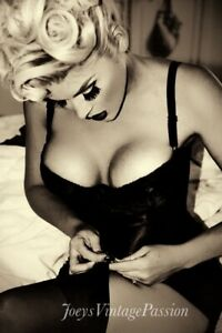 "Pin Up Burlesque Dancer Stocking & Garter Troubles 4""x6"" Reprint Photo BU45"