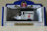 Oxford Diecast Daily Express 1982 Spurs take FA Cup Model 100T No. 6178 of 15000