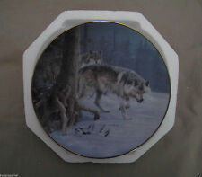 Eyes of the North Bradford Exchange Plate, Winter Guardians, wolves snow (Bg) hs
