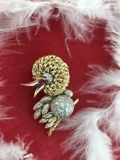 BIRD BROOCH PIN 18KT GOLD AND DIAMONDS.