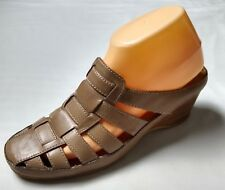 White Mountain Tan Wedge Strappy Sandals / Slides / Mules 8 M Pre-Owned