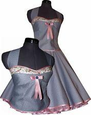 Petticoatkleid zartes grau kleine Pünktchen mit rosa Blütenakzent nach Maß