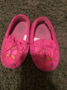 Pink moccasin style slipper shoe 7-8 toddler w butterflies