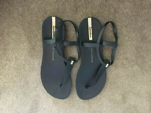 """""""GRENDHA""""Made in Brazil """"Lenny Niemeyer"""" flat Sandal with ankle strap EU 40"""