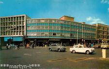Postcard. THE BROADWAY, ILFORD. Unused. Standard size.
