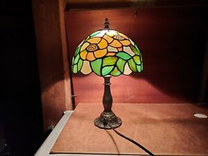 Eleganter Tiffany Stil Tischlampe Buntglas Blüten  E14, 25W,  230V