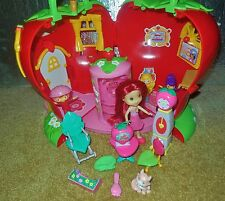 HuGe STRAWBERRY SHORTCAKE DOLL BERRY HAPPY HOME HOUSE FURNITURE ACCESSORIES LOT