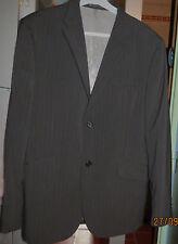 Jamais portée, veste de costume homme BRICE gris foncé fines rayures T 52
