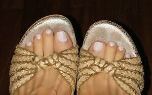 Two Lips Beige Tan Strappy Cork Wedge Sandals Shoes 10 Worn But Good Used Cond