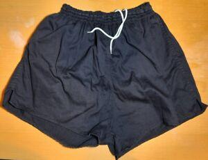 Adidas Sprinter Shorts D-8 Nylon schwarz mit 3 gelben Streifen Sporthose Vintage