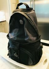 TAMRAC FANCY CAMERA CASE BACKPACK GRAY BLACK MINT COND STRAP ACCESSORY SYSTEM