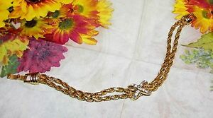 EXQUISITE VINTAGE GOLD AND RHINESTONE BRACELET - 7 INCHES