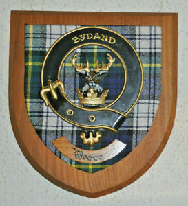 Moore Sept of Clan Gordon wall plaque shield crest scottish Scotland tartan