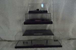 4 M2 MACHINES & OTHERS DISPLAY CASES & BASES