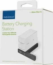 Insignia - Battery Charging Station for Xbox One S - White  NS-GXBOSBCS18