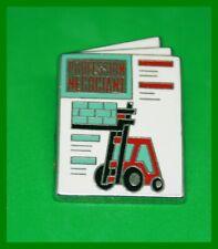 Pin's lapel pin Pins PROFESSION NEGOCIANT Chariot élévateur sur magazine ARTHUS