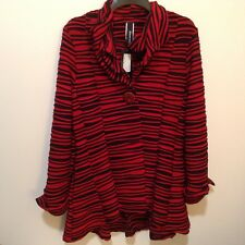 Curvesque Women's Size L Red/Black Striped Fancy Neckline Top NWT!! (#CB9b-10)