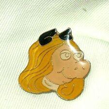 "VTG MISS PIGGY BLONDE HAIR GOLD TONE PIN LAPEL SCATTER 1"" MISSING BACK"