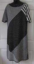 St John Wms Black & White Knit Spring / Summer Dress M