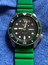 Seiko 5 automatic watch, green dial, bracelet & green silicone strap, SRPD63K1