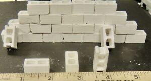 1:18 SCALE DIORAMA 12 WHITE CINDER BLOCKS 3/4'' x 3 /4''x 3/8''