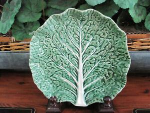 VINTAGE BORDALLO PINHEIRO GREEN CABBAGE LEAF DISH 8 INCH SALAD DISPLAY PLATE