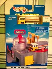HOT WHEELS 1998  OIL REFINERY PLAY SET, MATTEL WHEELS 65896