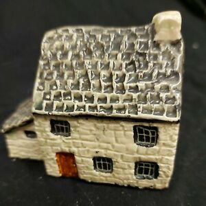 Britain in Miniature Farmhouse No 18 Handcrafted by Tey Pottery Tey Terra Crafts