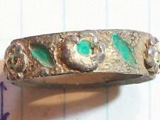 RING BRASS COLOR GREEN LEAF & FLOWER DESIGN .67 DIAMETER x .25 WIDE VERY THICK B
