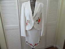 Cache Women Suit,White, floral embroidery, jacket 12,skirt 6,waist 14 1/2""